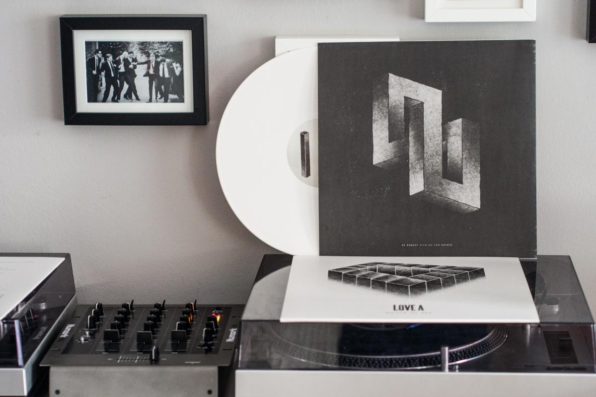 "Love A - Nichts ist neu 12"" LP"